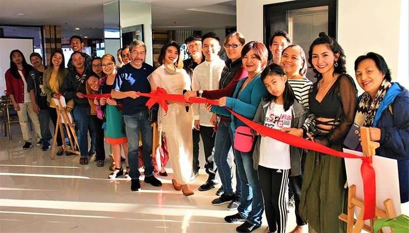 BAGUIO. Host Melan Ku and special guest Ric Maniquis lead the opening of HALIKHA, the first tandem exhibit of rising cultural advocates Venazir Martinez and Taipan Lucero. Exhibit runs from February 14 to March 13 at The Podium Boutique Hotel. (Photo by Osharé)