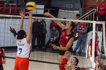 BAGUIO. In this file photo, University of Baguio Lady Cardinals' team captain, Marry Atuban score past Kings College of the Philippines team during last year's staging of women's volleyball in the Baguio-Benguet Educational Athletic League (BBEAL). (Photo by Jean Nicole Cortes)