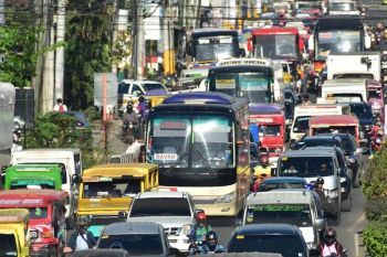 DAVAO. Dabawenyos remain hopeful that the bus system will finally be implemented soon in Davao City as they see it a safer way to commute. (SunStar file photo/Macky Lim)