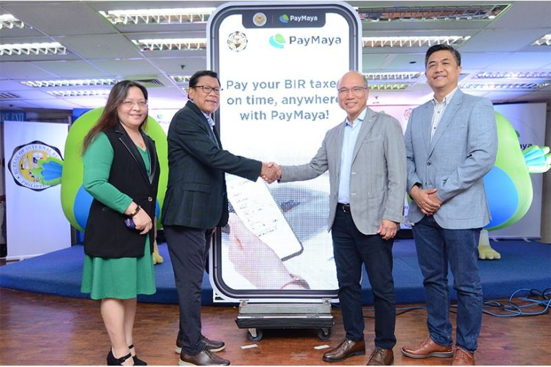 BAGUIO. The Bureau of Internal Revenue (BIR) officially launched its partnership with digital financial services leader PayMaya to allow individual taxpayers to pay taxes on time and wherever they are using the PayMaya app. Soon, taxpayers can also pay through the BIR website using their mobile number linked to their PayMaya account via Pay with PayMaya as well as any credit, debit, and prepaid cards. Present during the launch were BIR Commissioner Caesar Dulay (2nd from left), PayMaya Founder and CEO Orlando Vea (2nd from right), BIR Deputy Commissioner Lanee David (leftmost) and PayMaya Head of Enterprise Mar Lazaro (rightmost). (Contributed photo)