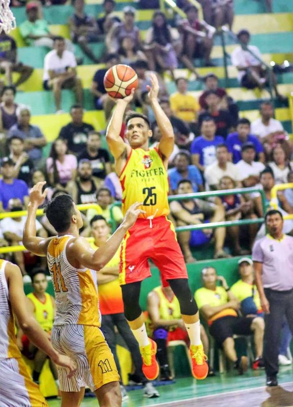 SEMIS BOUND. Dondon Hontiveros and Fighter Win will face second seed ARQ-KSB in the semifinals of the 1st Charter Cup on Monday, Feb. 24, 2020, at the Cebu City Sports Institute. (SUNSTAR FOTO / AMPER CAMPAÑA)