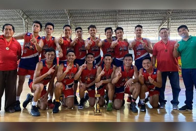 DAVAO. Holy Child College of Davao (HCCD) Red Eagles reclaim the regional title after dethroning defending champion St. Mary's College of Tagum (SMCT) Hawks in the NBTC 2020 Regional Finals held Sunday, February 23, at the University of Mindanao (UM) Matina Gym. (Contributed photo)