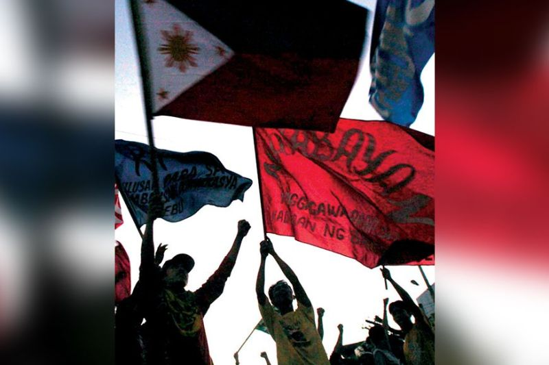 PEOPLE POWER REVOLUTION. People who were tired of the Marcos regime took to the streets 34 years ago and ousted the dictator in a peaceful uprising. (Sunstar File)