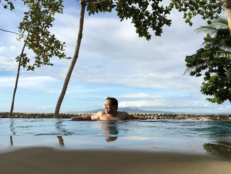 DAVAO. After many attempts, this was the best selfie I got while in the plunge pool. It was nice spending most of the morning here just relaxing. (Reuel John F. Lumawag)