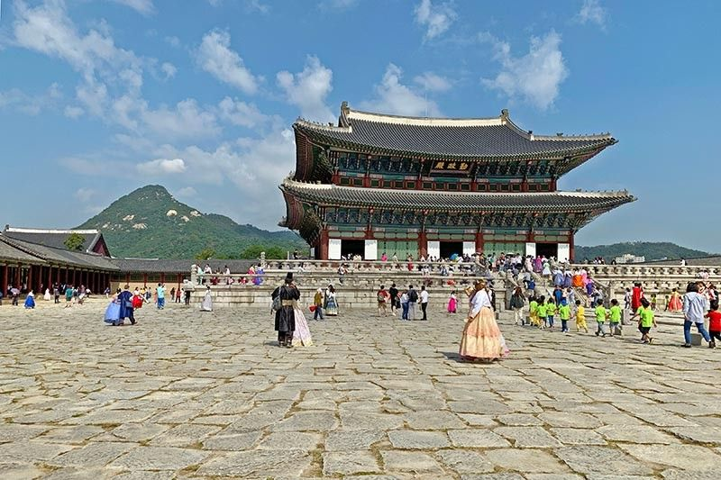 GyeongbKOREA. Geunjeongjeon (Imperial Throne Hall, National Treasure No. 223) of Gyeongbokgung Palace with Mount Bugaksan as its backdrop. (Jinggoy I. Salvador)