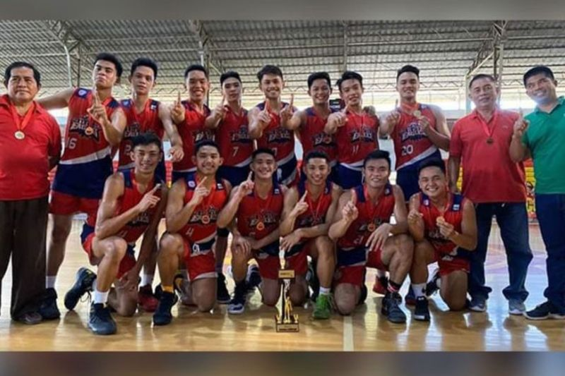 DAVAO. Ang Holy Child College of Davao (HCCD) Red Eagles subling milangkat sa regional title human mapildi ang defending champion, St. Mary's College of Tagum (SMCT) Hawks sa NBTC 2020 Regional Finals, Dominggo, Pebrero 23, sa University of Mindanao (UM) Matina Gym. (Contributed photo)