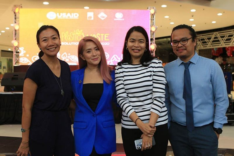 BACOLOD. Antoinette Taus (second from left) of Planet CORA and Marian Cruz Navata (left) of Usaid with Sef Carandang and Dave Albao on the sidelines of the Plastic Waste Solutions Summit at the Main Atrium of SM City Bacolod recently. (Contributed Photo)