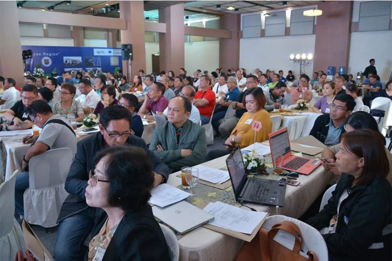 BACOLOD. (Inset L-R) Third District Rep. Jose Francisco Benitez and Governor Eugenio Jose Lacson lead the opening of the two-day Provincial Water Summit at the Negros Residences yesterday. (Photo grabbed from NegOcc Facebook page)