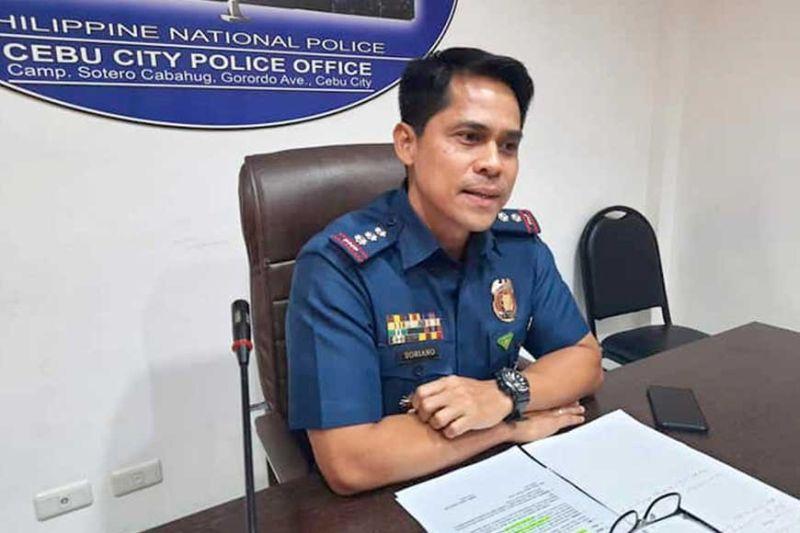 WA MAGDAHOM: Si Cebu City police officer-in-charge Colonel Engelbert Soriano wa maghom nga sangunan siya sa pagdumala sa kapulisan sa Dakbayan sa Sugbo kay daghan pa ang mas senior niya og ranggo. Apan alang kaniya, ang Diyos maoy nagbuot sa tanan. (Arnold Y. Bustamante)