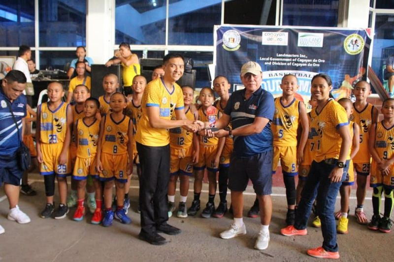CAGAYAN DE ORO. Sweet victory for the City Central School Stingers during the recent LGU-DepEd hoopfest in Cagayan de Oro. (Contributed photo)