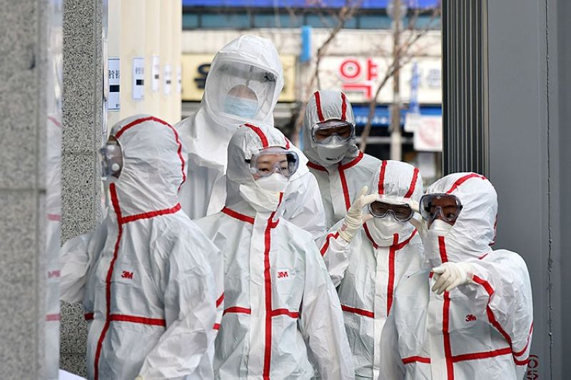 SOUTH KOREA. Medical staff members in protective gears arrive for a duty shift at Dongsan Hospital in Daegu, South Korea, Tuesday, March 3, 2020. (AP)