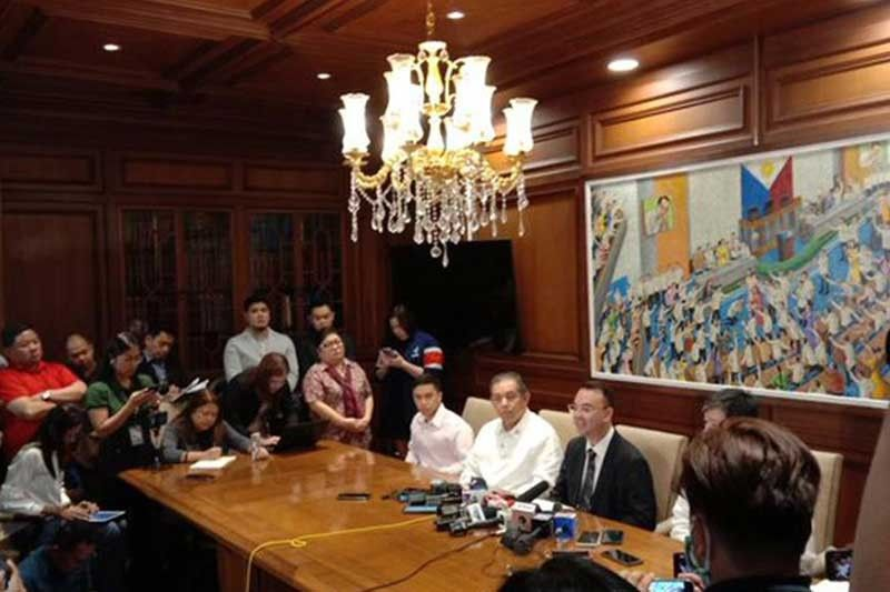 MANILA. House Speaker Alan Peter Cayetano announces that the committee on legislative franchise will begin deliberations on ABS-CBN's application for the renewal of its franchise on March 10, 2020. (Photo by Jove Moya)