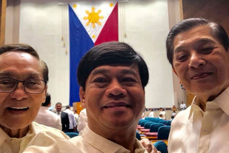 Rep. Bebot Abellanosa in Congress (center) (Photo taken from Bebot Abellanosa's Facebook)