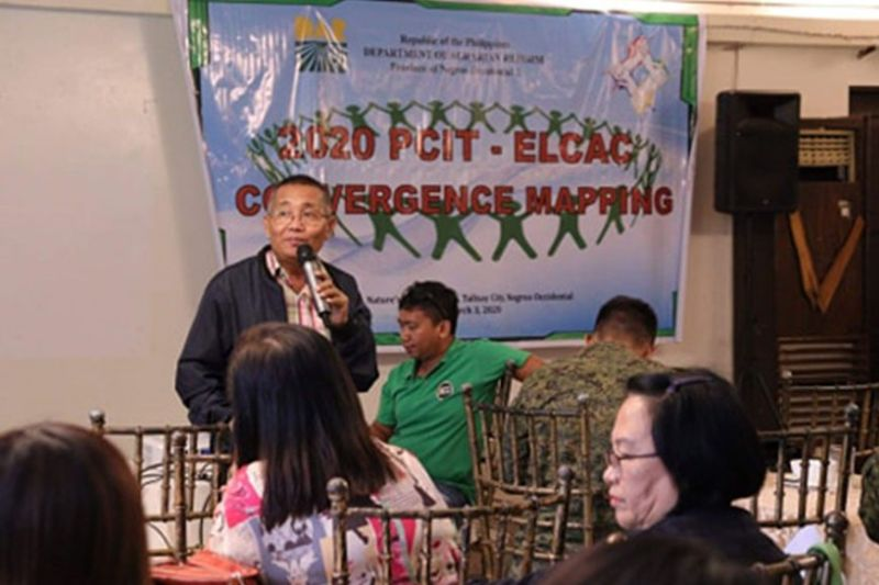 NEGROS. Provincial Agrarian Reform Program Officer I Enrique Paderes speaks before the participants during the convergence mapping and planning activity at the Nature's Village Resort in Talisay City earlier this week. (Contributed Photo)