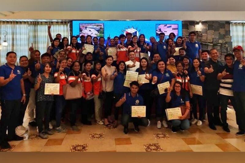 BATAAN. Barangay officials in Pilar town received a P50,000 incentive after being recognized for the 1Bataan Seal of Healthy Barangay incentive-based program. (Contributed photo)