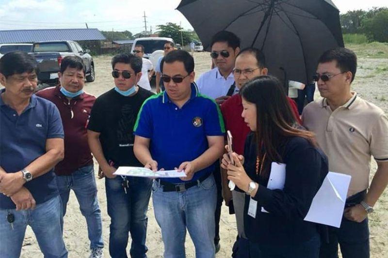 PAMPANGA. Mayor Oscar Tetangco Jr. and Vice-Mayor Peter Nucom recently inspected the Don Honorio Ventura State University (DHVSU) Apalit satellite campus site in Barangay Sampaloc. (Contributed photo)