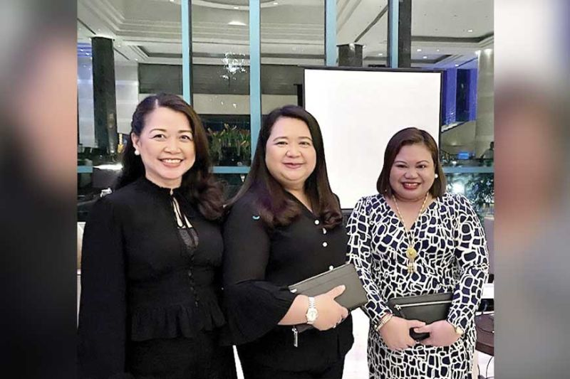 POWER LADIES. Radisson Blu director of business development Ruby Nepomuceno flanked by Park Inn by Radisson sales directors Josette Palma of Iloilo (left) and Flordeliza Gamo of Davao.