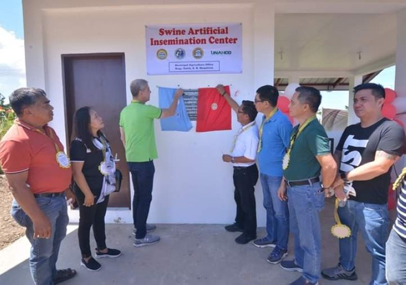 NEGROS. Negros Occidental officials led by Governor Eugenio Jose Lacson (third from left) during the inauguration of Artificial Insemination (AI) Laboratory Center at Barangay Gahit in E.B. Magalona town Wednesday, March 11, 2020. (Photo by Capitol PIO)