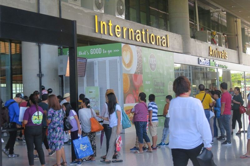 FREE REBOOKING. Passengers who are hesitant to pursue their travel plans this month due to the Covid-19 scare can now rebook their flights for free. Cebu Pacific and Philippine Airlines have waived their flight change fees to allow flexibility in travel during this crucial time. (Sunstar File)