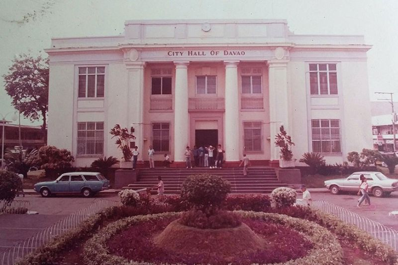 Davao City Hall in the 80s. (Photo by Paterio B. Lacaba/Davao of the Past Facebook page)