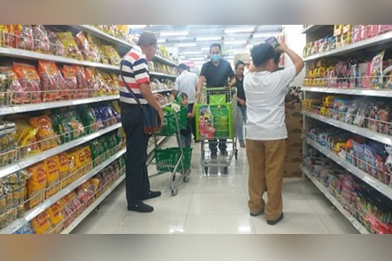 BACOLOD. Price freeze among basic necessities is currently taking effect in Negros Occidental, following the declaration of state of public health emergency due to Covid-19. (Photo by Erwin P. Nicavera)