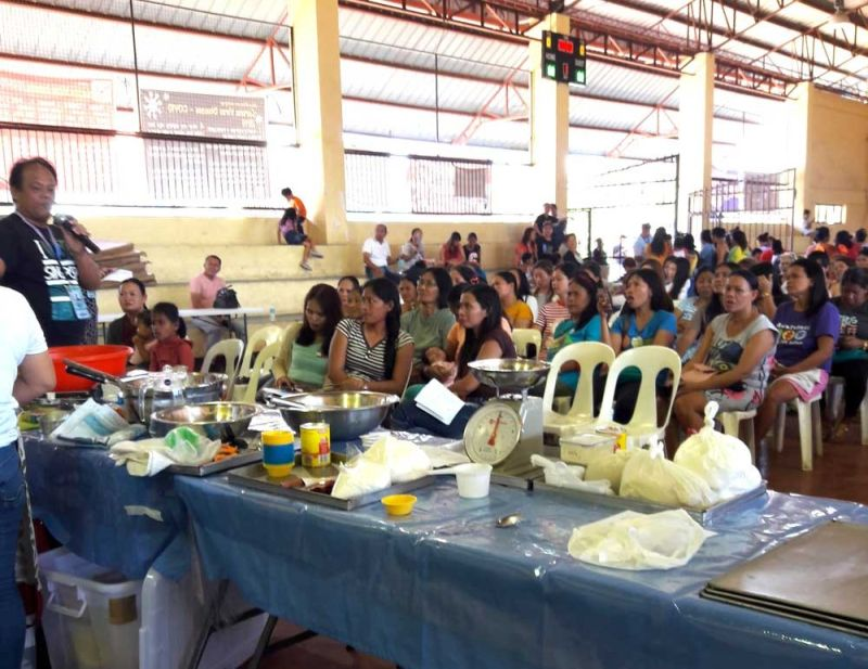 ALIVE FOR LIVELIHOOD. Housewives listen to a demonstration during a livelihood training in Barangay Buaya, Lapu-Lapu City on March 4, 2020. (CONTRIBUTED FOTO)