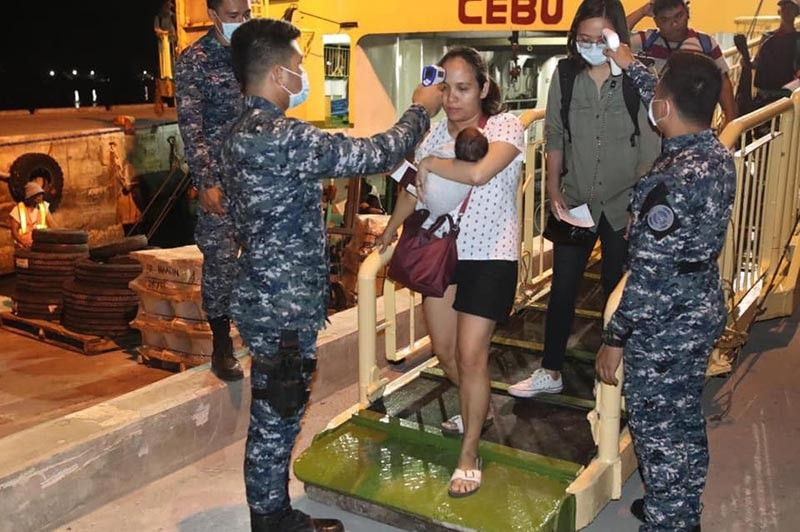 MAASIN. Mayor Nacional Mercado orders the strict monitoring at the Maasin port area where 175 passengers have arrived from Cebu City on Sunday, March 15. (Photo courtesy of Mayor Nacional Mercado)