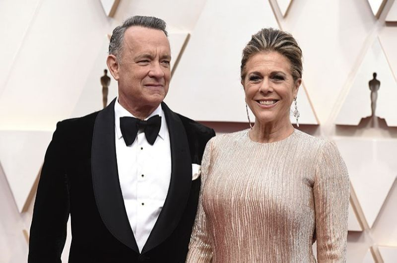 USA. In this February 9, 2020 file photo, Tom Hanks (left) and Rita Wilson arrive at the Oscars at the Dolby Theatre in Los Angeles. The couple have tested positive for the coronavirus, the actor said in a statement Wednesday, March 11. (AP)