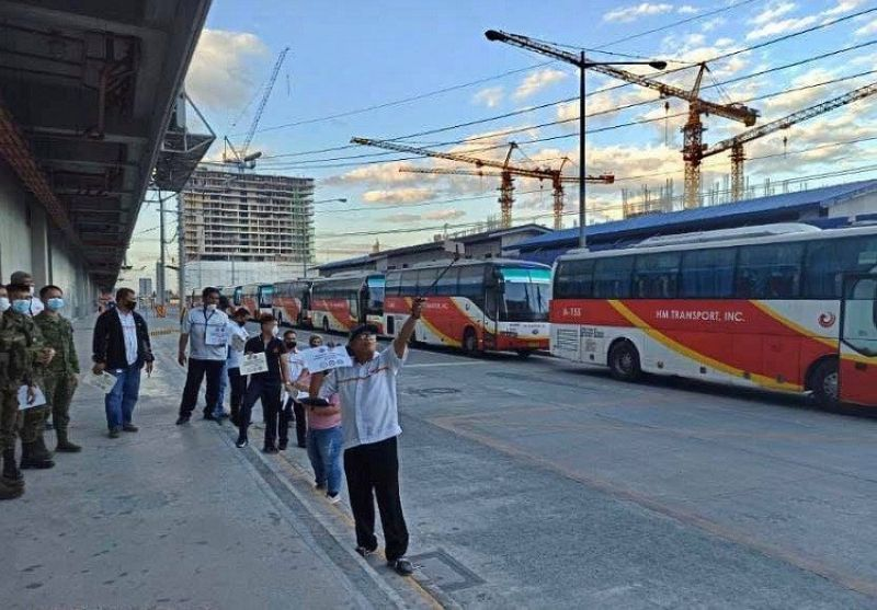 MANILA. Transportation Secretary Arthur Tugade has instructed road sector agencies under the Department of Transportation to deploy buses to ferry frontline health workers, free of charge, as the country continues to contain the spread of the coronavirus disease. (Photo by  Department of Transportation)