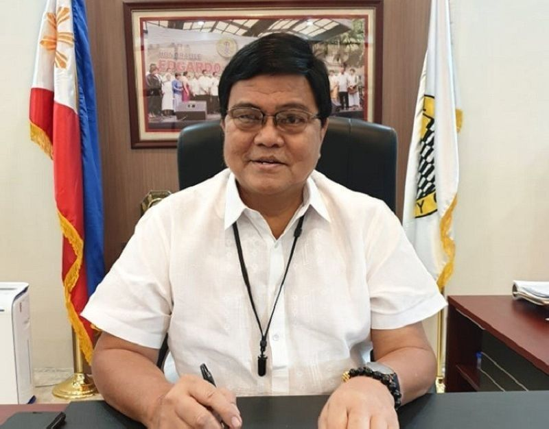 CEBU. Mayor Edgardo Labella has ordered the temporary closure of malls, except grocery stores, supermarkets, money remittance centers, pharmacies, hardware and banks in Cebu City starting Thursday, March 19, 2020.