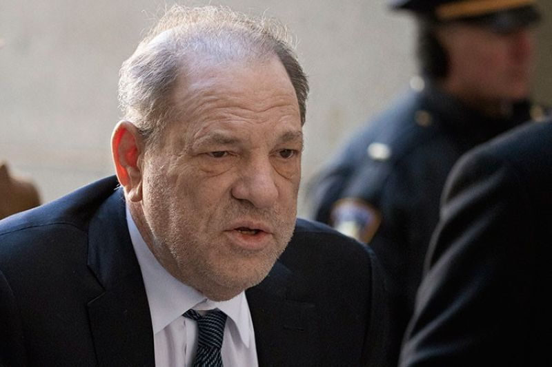 USA. In this February 21, 2020 file photo, Harvey Weinstein arrives at a Manhattan court as jury deliberations continue in his rape trial in New York. (AP)
