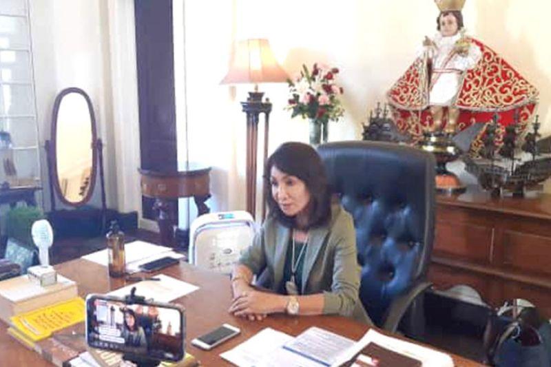 WAY LOCKDOWN. Si Cebu Governor Gwendolyn Garcia mipahibawo nga way lockdown sa Sugbo bisan kon duna nay usa ka pasyente nga positibo sa coronavirus disease (COVID-19). (Arvie N. Veloso)