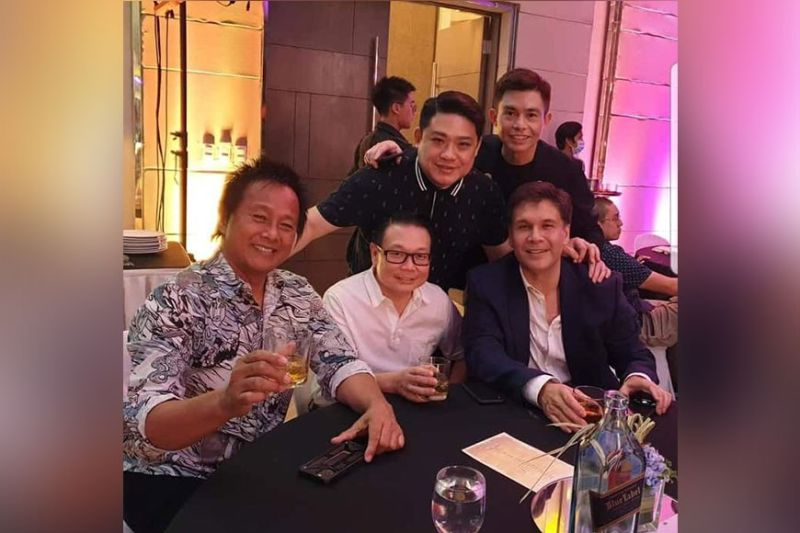 THANKSGIVING DINNER. Jun Selma, Albert Go, Mike Veloso, Dr. Yong and Dr. Troy Uy.