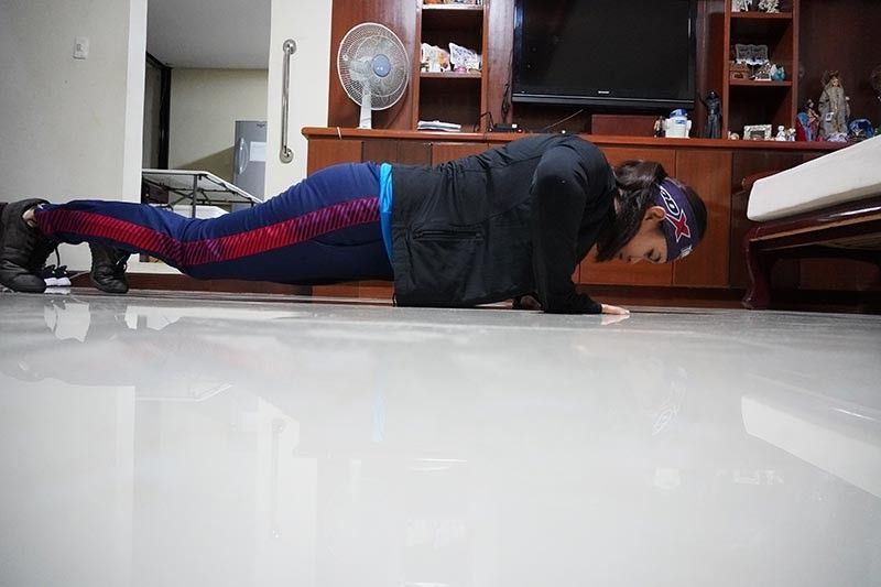 "DAVAO. Dabawenya SEA Games 2015 wakeboard double bronze medalist Maiquel Jawn ""Mikee"" Selga makes a workout plan while under home quarantine. (Mikee Selga photo)"