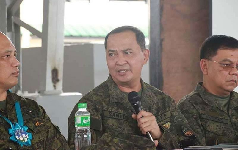 MANILA. Armed Forces of the Philippines Chief-of-Staff Felimon Santos Jr. (center) tests positive for Covid-19. (File photo)