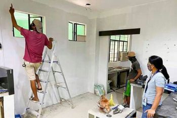 TACLOBAN. Retrofitting of the laboratory facility inside the proposed test center for coronavirus disease 2019 (Covid-19) cases in Eastern Visayas at the Eastern Visayas Regional Medical Center (EVRMC) along Magsaysay Boulevard in Tacloban City. (Photo courtesy of Tingog partylist)