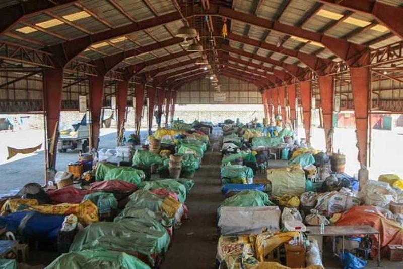 BENGUET. Trading at the La Trinidad Vegetable Trading Post is suspended after two Covid-19 positive patients were confirmed in Benguet's capital town. La Trinidad and Kabayan towns were placed under Extreme Enhanced Community Quarantine March 29, 2020. (Jean Nicole Cortes)