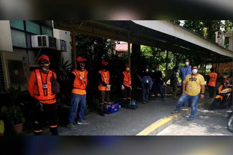 MANILA. Personnel of the DPWH on standby to assist in the set up of the Covid-19 ward at UP-PGH. (Contributed photo)