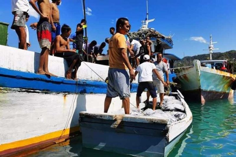 NEGROS. Deep-sea fishing vessels are not allowed for now to enter or operate within the territorial waters of Hinoba-an while the Enhanced Community Quarantine is in effect. This is one preventive measure to avert Coronavirus disease from infecting all classes of people.