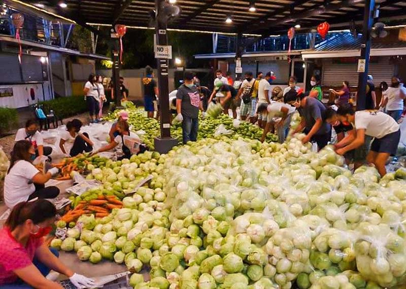 MT. PROVINCE. The local government of Bocaue in Bulacan purchased vegetables from Bauko, Mt. Province and distributed to affected residents. (Contributed by Bocaue LGU)