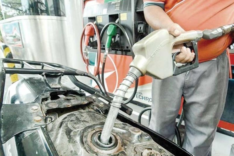 FALLING DEMAND. A drop in oil prices looks to benefit consumers and businesses but not today, as the depressed oil prices mirror negative economic implications, such as oil producers stopping to drill new wells, affecting workers vulnerable to layoffs. (SunStar File Photo)