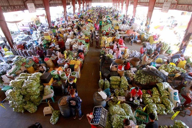 BAGUIO. Starting Wednesday, April 8, delivery of vegetables from different towns will be based on the schedule set by the province based on the Memorandum Circular on clustering of towns for the unloading of vegetable produce at the La Trinidad Vegetable Trading Post (LVTP) and the Benguet Agri-Pinoy Trading Center (BAPTC). (Photo by JJ Landingin)