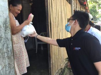 BACOLOD. Akbayan Youth – Bacolod distributes relief goods to 55 households at the Home for the Blind in Bacolod City recently. (Contributed Photo)