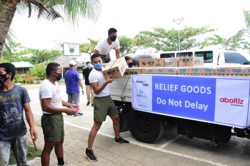DAVAO. AboitizPower subsidiaries Davao Light, Hedcor, and Therma South turn over canned goods, rice, soap, and disinfectants to the Task Force Davao headquarters, the designated drop-off point for relief items, on April 3, 2020. (Contributed photo)