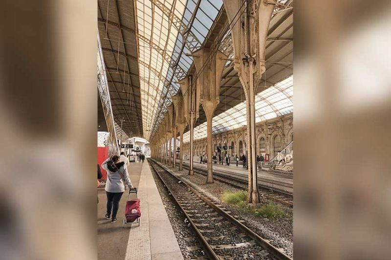 GARE DE NICE-VILLE. Most travelers use this central train station of Nice. (Photo by Alfred F. Ocianas)