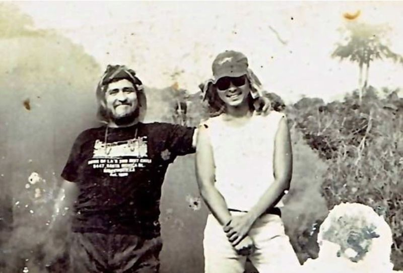 """Direk Peque Gallaga (L-R) and his assistant director Barney Molina on-location shooting for """"Isang Araw Walang Diyos"""" in 1989. (Contributed photo)"""