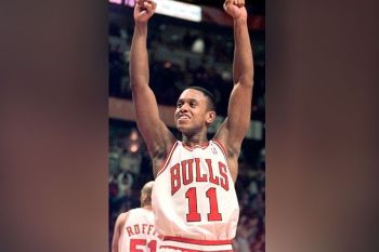 USA. In this January 5, 2000, file photo, Chicago Bulls' BJ Armstrong celebrates the Bulls' 77-66 win over the Washington Wizards in Chicago. Armstrong earned three rings with the Chicago Bulls, as part of their NBA championship teams in 1991, 1992 and 1993. (AP)