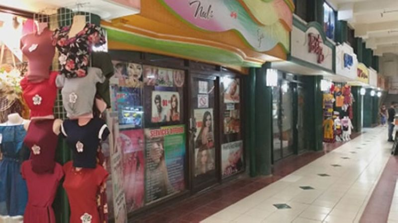 BACOLOD. Salons and barbershops inside the Plaza Mart Building at the downtown area of Bacolod City remain closed Monday, June 1, even if the city is already under a modified general community quarantine. (Erwin Nicavera)