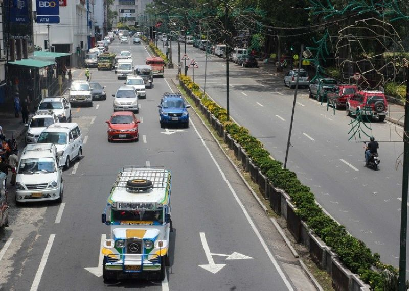 BAGUIO. More vehicles including public utility vehicles (PUV) like taxis and jeepneys now ply the streets since June 1, the start of the modified community quarantine (MGCQ). (Photo by Jean Nicole Cortes)