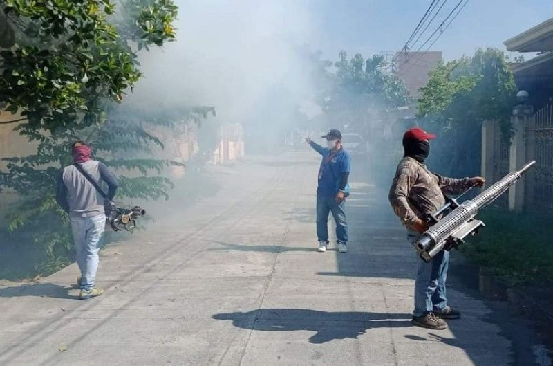 YES TO FUMIGATION. The Angeles City government conducted a fogging operation at Barangay Malabanias recently. Mayor Carmelo 'Pogi' Lazatin, Jr. urged his constituents to say yes to fumigation in order to prevent dengue. (AC-CIO)